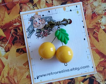 Cherries brooch petite // Mustard cherries bow brooch // Vintage style