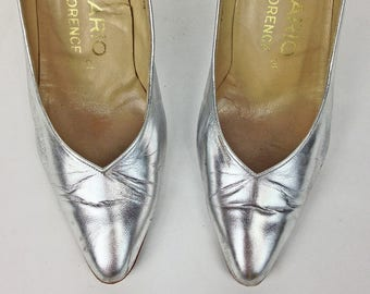 Vintage Shoes, Designer Shoes 6 7, Silver Shoes, Italian Leather Shoes, Silver Heels, Metallic, 80s Shoes, Mario of Florence, SIZE 37 6 7