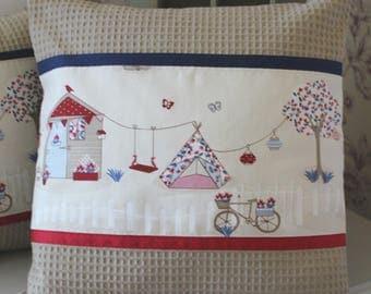 Pillow cover kids MA BIRDHOUSE garden 40 x 40 rye honeycomb / ecru red and blue