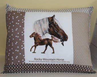Horse pillow / ROCKY MOUNTAIN HORSE