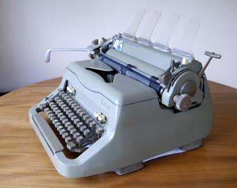 Rare vintage Everest 92 typewriter