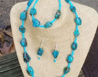 Turquoise and Magnesite Necklace Set