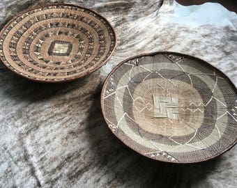 ONE SET of 2 huge mbinga woven grass plates/baskets  Perfect as wall decoration!