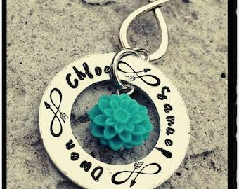 Mom Keychain - Child Name Keychain//Dahlia Bead//Hand Stamped Keychain//Infinity Arrow - Mom/ Family/Friend Gift