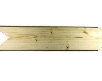 Empty blank blank sign wood arrow sign.