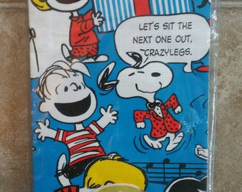 Sweet Vintage Peanuts Party Hallmark paper table cover Never used Original packaging