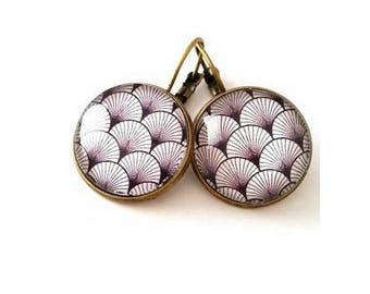 Earrings cabochon - Japanese - black and white pattern - seashell - bronze