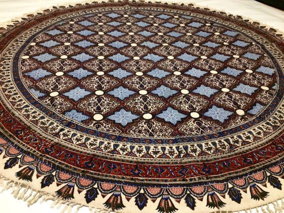 Traditional round tablecloth with natural colours, 60 inches with tassels