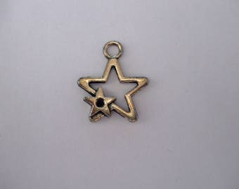 Pendant or charm silver metal star aged 19 mm x 22 mm