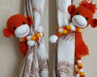 A pair of crochet Monkey curtain tie backs. Nursery curtains tie. Nursery window décor. Baby shower gift. Newborn gift. Baby gift.