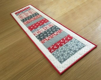 Scandi Table Runner, Christmas Table Runner, Patchwork Table Topper, Quilted Table Runner, Holiday Table Mat, Christmas Table Centrepiece