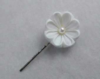 White Floral Bridal Aster Hair Pin/ Tsumami Kanzashi / Geisha Inspired / For Wedding