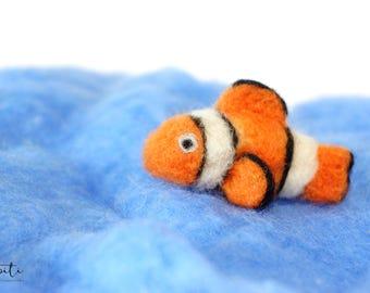 Needle felted clownfish