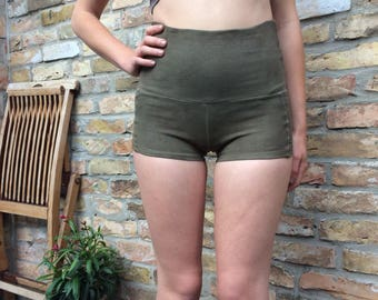 basic shorts highwaist in ooak hue- size s