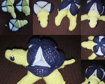 Crocheted turtle puzzle toy