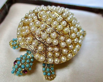 Vintage Faux Pearl/Turquoise/Rhinestone Gold Tone Brooch