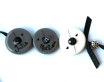 Bracelet names three medallions custom gray and white
