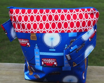 London Times Zippered Pouch Knitting Project Bag/measuring tape/pockets