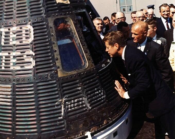 President John F. Kennedy and Mercury Astronaut John Glenn Inspect the Friendship 7 Spacecraft - 5X7 or 8X10 Photo (EP-843)