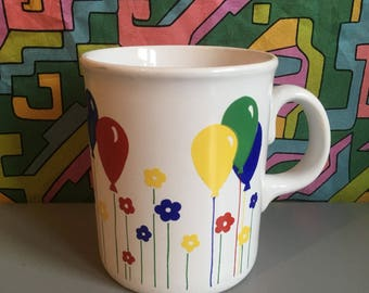 Vintage Retro Kitsch 1980's Balloon and Flower Print Mug