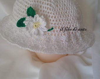 White cotton hat with Daisy