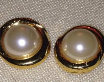Vintage Goldtone and Pearl Dress Clips