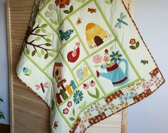 Baby Girl Quilt, Flower Quilt, Applique Quilt, Baby Shower, Gift Idea,  Garden, Nursery Décor, Nursery Bedding, Crib Quilt, Butterfly
