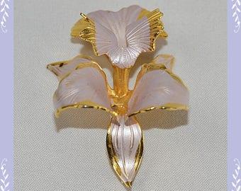 Vintage 50's 60's Lavender Enamel and Goldtone Pin