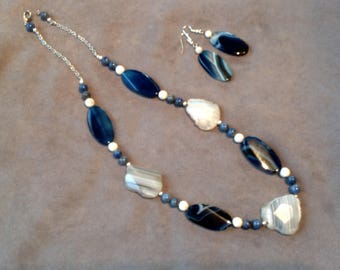 Blue and gray agate beads azulite and holite necklace.