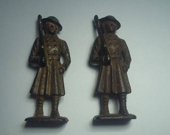 Antique Cast Iron Soldiers