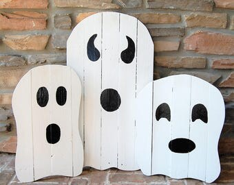 Set of 3 Halloween Ghost Home Yard Decorations made from reclaimed wood - Fall Decor, Lawn Decor, Halloween Decorations, Front Yard, Ghosts