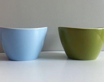Melaware small bowl, vintage mid century melamine.