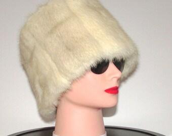 superbe riche et luxueux  bandeau de fourrure de vison blanc croisé /Superb  rich/luxurious white cross mink fur headband