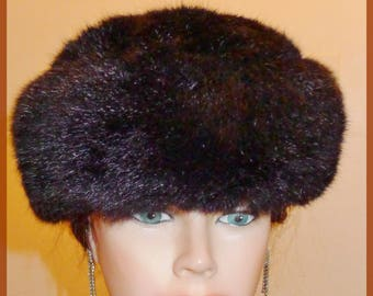 Beautiful warm opossum fur hat - S -   Chapeau d'opossum noir  P