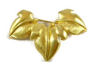 Vintage Gold Leaf Brooch, Vintage Leaf Brooch, Leaf Brooch, Fall Brooch, Autumn Brooch, Seasonal Jewelry, Hostess Gift, Fall Decor