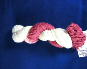 15% Silk - DK Weight - Burgundy & White - 75 Percent Polwarth Wool - Handpainted - Canadian - Cranberry Dec 2016 - 296 yards - 100g #498