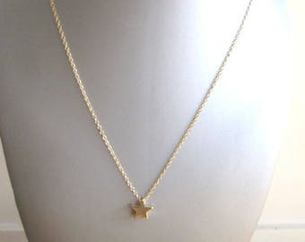 Gold metal star chain necklace