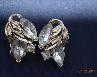 Vintage Lisner Rhinestone Leaf Gold Tone Metal Clip On Earrings Signed