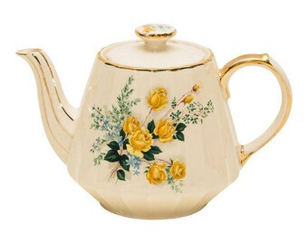 Porcelain Tea Pot by Sadler England