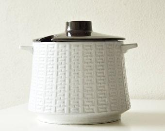 Large vintage Ceramano Epsilon bowl / tureen / serving dish. West Germany.