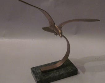 Decorative brass seagull paperweight