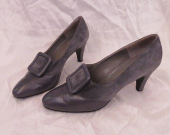 BRUNO MAGLI Suede Leather Pumps Heels / Blue Grey Shoes 70s Does 40s Vintage / Stormcloud Womens / Buckle Designer Size 40 9 / Mint