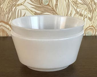 Set of 2 Vintage Hazel Atlas Cereal Bowls, Milk Glass Bowls, Ice cream Bowls