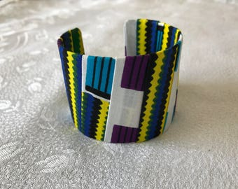 Bracelet made from African fabric