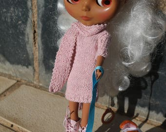 Pink knit dress with scarf for Blythe