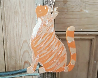 Hanging GInger Cat, Ginger Tabby Cat Decoration, Hand Painted Ginger Cat Ornament, Cat Lover Gift, Cat Memento, Marmalade Cat