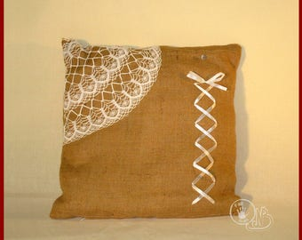 Burlap and bentelle crochet pillow cover - try!