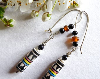 Graphic Indian beads earrings
