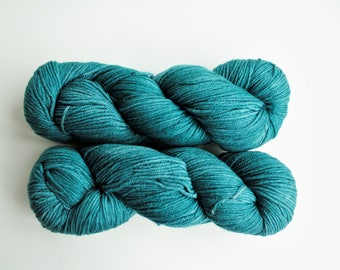 Knitting Yarn, Crochet Yarn, Superwash Merino Wool, Sport Weight Yarn,  Malabrigo Arroyo 133 Reflecting Pool Teal