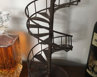 Metal staircase ornament